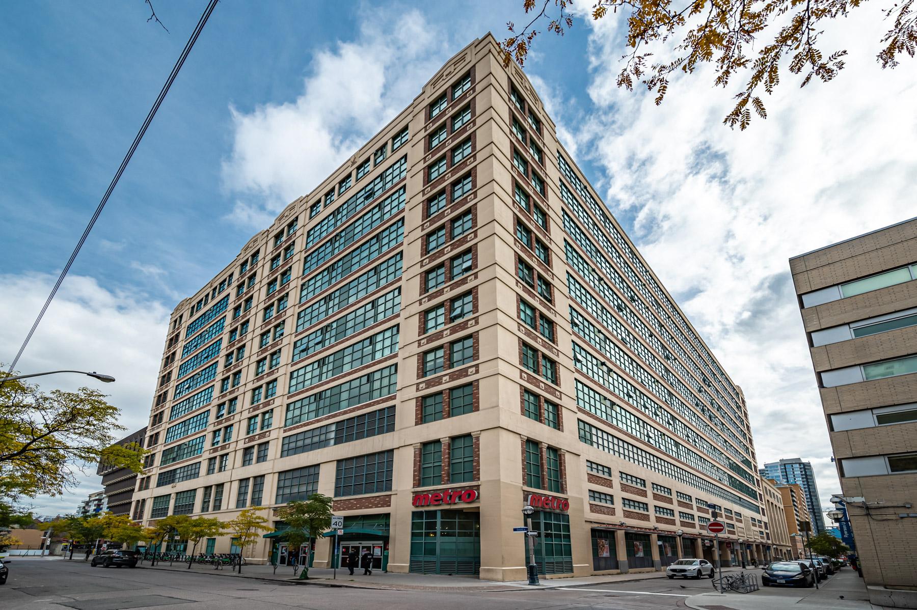 #749 - 155 Dalhousie St, Toronto